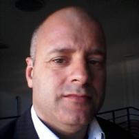 Cesar L. Negraes