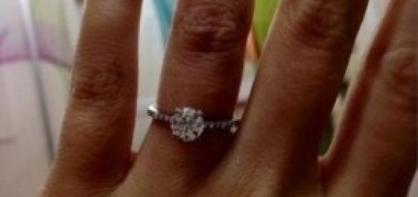 Francesca e l'anello di fidanzamento