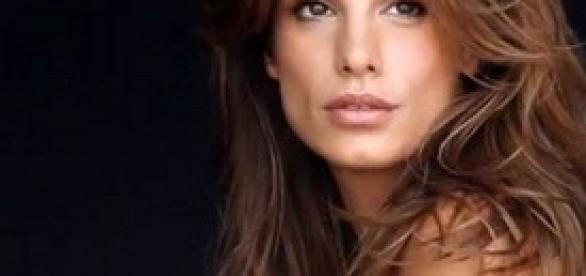 Elisabetta Canalis in cerca d'amore?