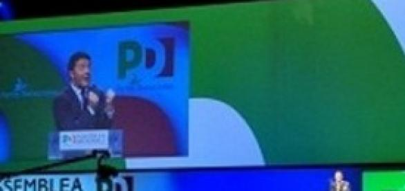 Matteo Renzi parla all'assemblea nazionale del Pd