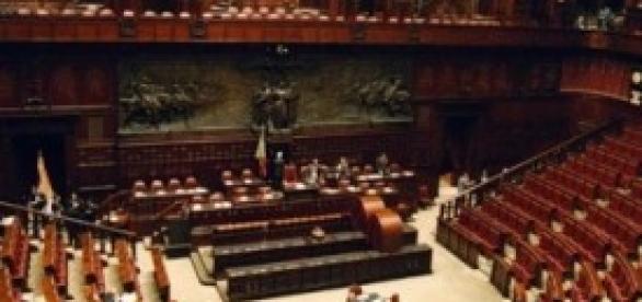 Protesta alla Camera M5S sul DL Imu-Bankitalia