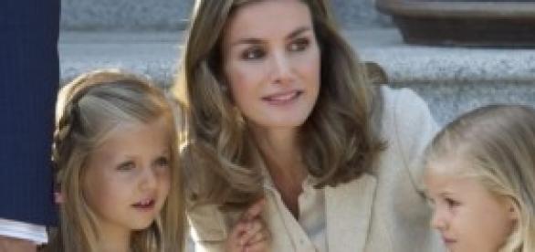 La Reina Letizia motiva a sus hijas a leer