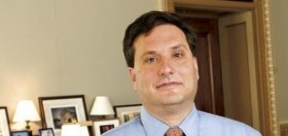 Ron Klain, apelidado de czar anti-Ebola