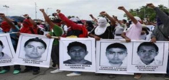 México clama por los estudiantes de Iguala.