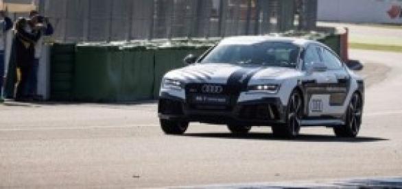 Audi RS7 sem piloto (foto Audi)