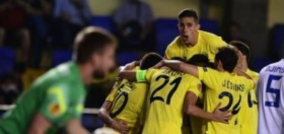 El Villarreal celebra uno de sus goles