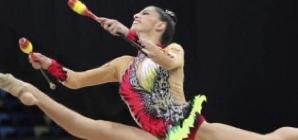 La leonesa Carolina Rodríguez con las mazas