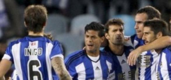La Real celebra la victoria. Foto: La Vanguardia