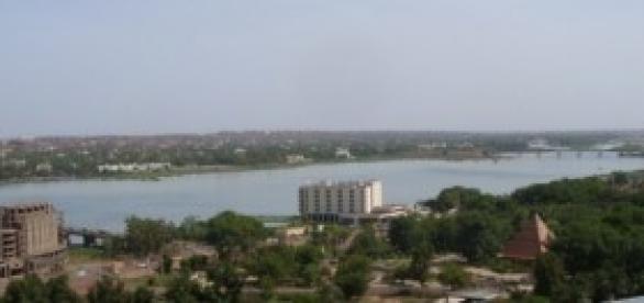 Bamako tem em torno de 1,9 milhão de habitantes