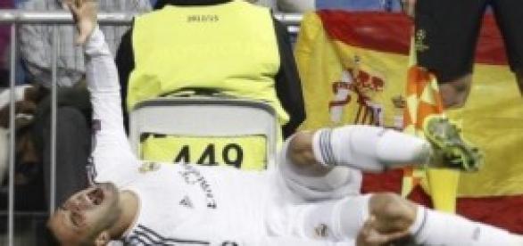 Jesé, tras lesionarse la rodilla. Foto: El Mundo