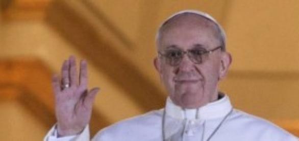 El Papa Bergoglio ayudará a los más necesitados
