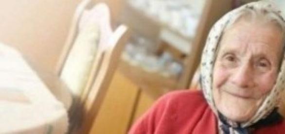 La linda anciana milagrosamente volvió a la vida