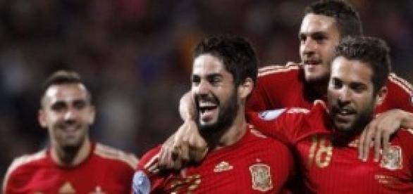 Isco celebra su gol. Foto: Diario de Navarra