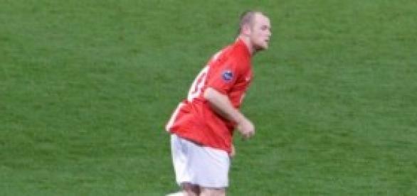 Rooney in the stadium field