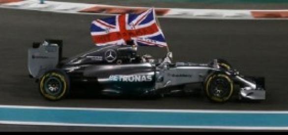 Hamilton suma su segundo mundial con 29 años.