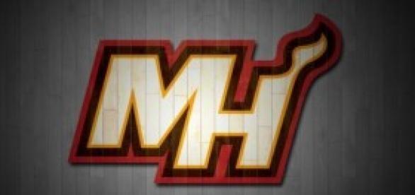 Vista parcial del logo de los Miami Heat.