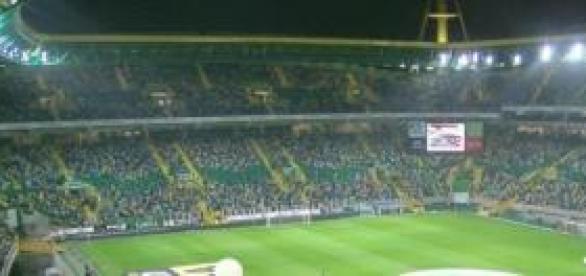 Estádio Alvalade XXI iluminado (foto Wikipedia)