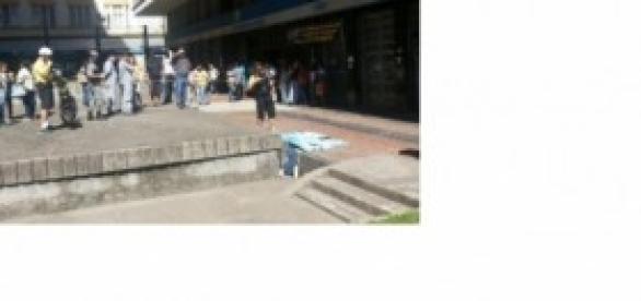 homem se atira do prédio do INSS em Porto Alegre
