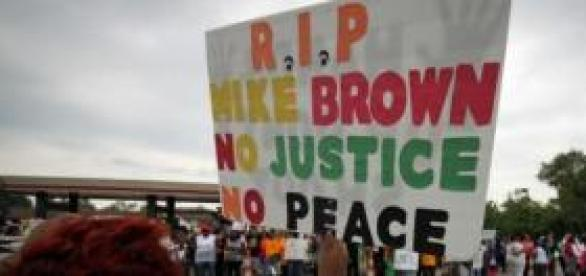 La colère gronde toujours à Ferguson.