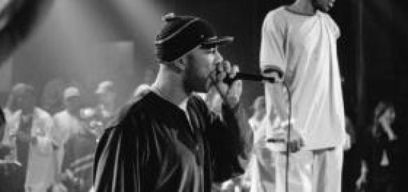 singer Common rapping on stage