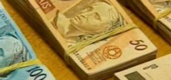 A economia depende da valorização da moeda.