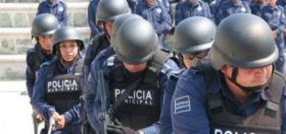 Peña Nieto disuelve la policía municipal
