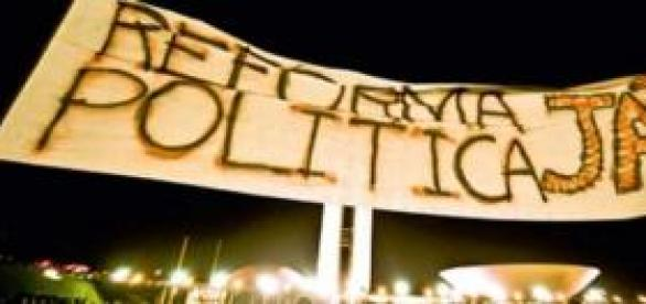 Reforma política deve ser decidida pelo Congresso