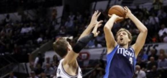 Dallas Mavericks se diluye en las segundas mitades