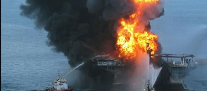 Labores de extinción en la Deepwater Horizon