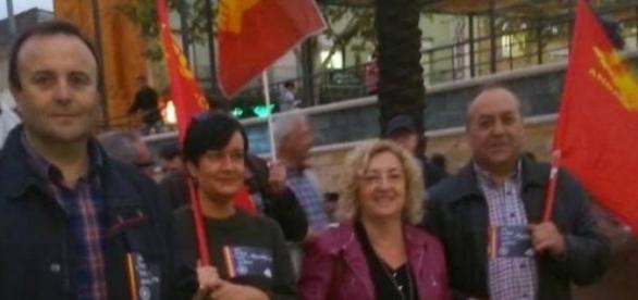 líder de IU da un puñetazo a uno de Podemos