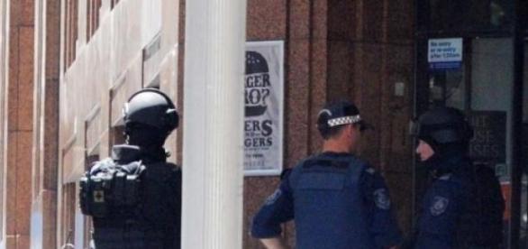 Forças especiais terminam crise em Sidney.
