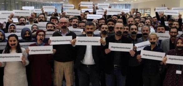 Les journalistes baillonnés par le pouvoir turc.