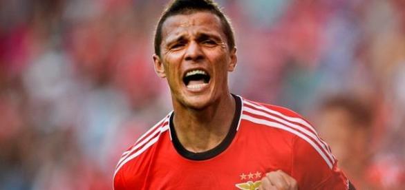 Lima festeja o primeiro golo no Dragão.