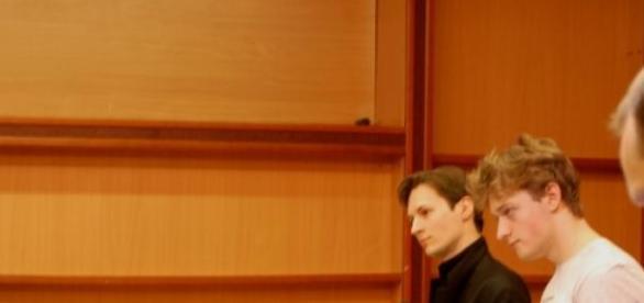 Pavel Durov, de negro, en una conferencia
