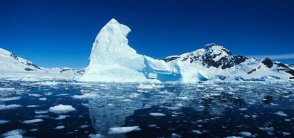 Los Glaciares de Groenlandia derritiéndose