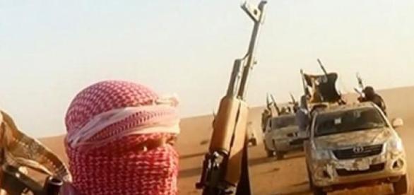 Milicianos do ISIS armados