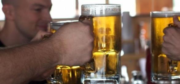 Publicidade de cerveja e vinho proibida de 6 a 21h
