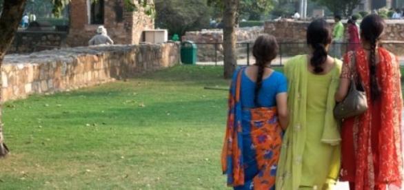 Mulheres indianas são vítimas de agressões sexuais