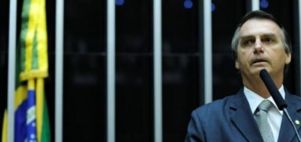 Jair Bolsonaro é processado