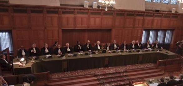 Los rusos exigen el cierre del Tribunal de la Haya