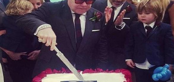 El cantante Británico Mr Elton John se casó