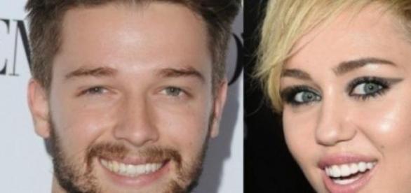 Patrick y Miley intercambian votos en un hotel.