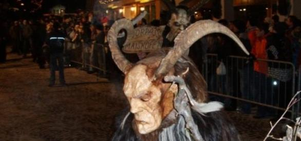 Sinistra figura de Krampus