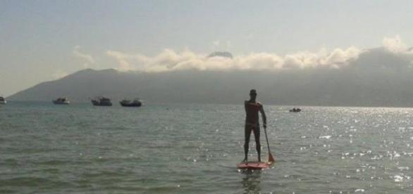 Stand Up: Surfe e Terapia no verão brasileiro