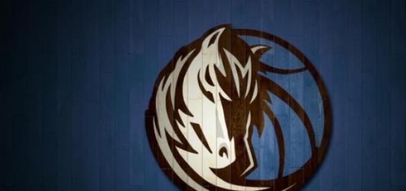 Logo de los Dallas Mavericks