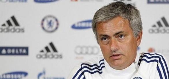 Mourinho fala em conspiração contra o Chelsea...