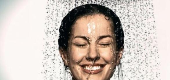 Beneficiile dusului cu apa rece
