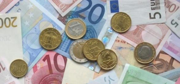 Lituânia adota o Euro como moeda oficial