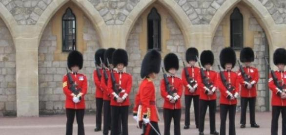 Los guardias de la reina Isabel
