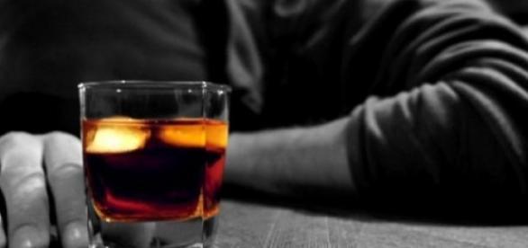 suntem o tara de alcoolici